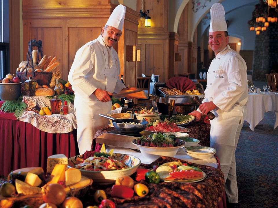 How To Choose a Catering Vendor